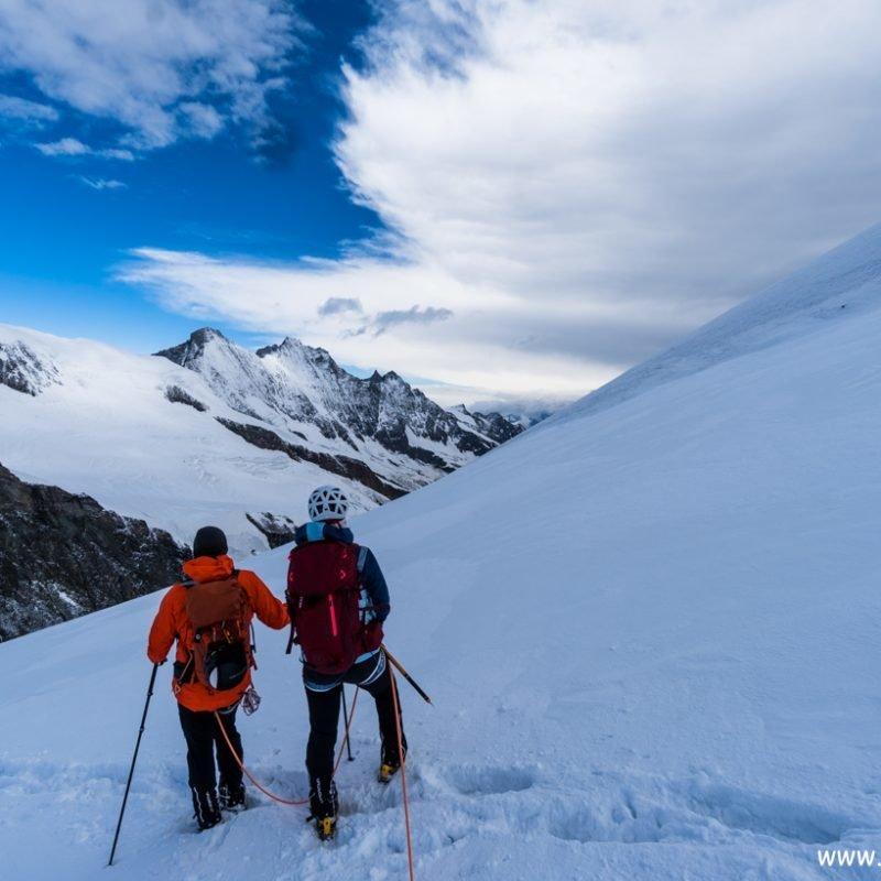 Das Allalinhorn (4.027 m) im Wallis