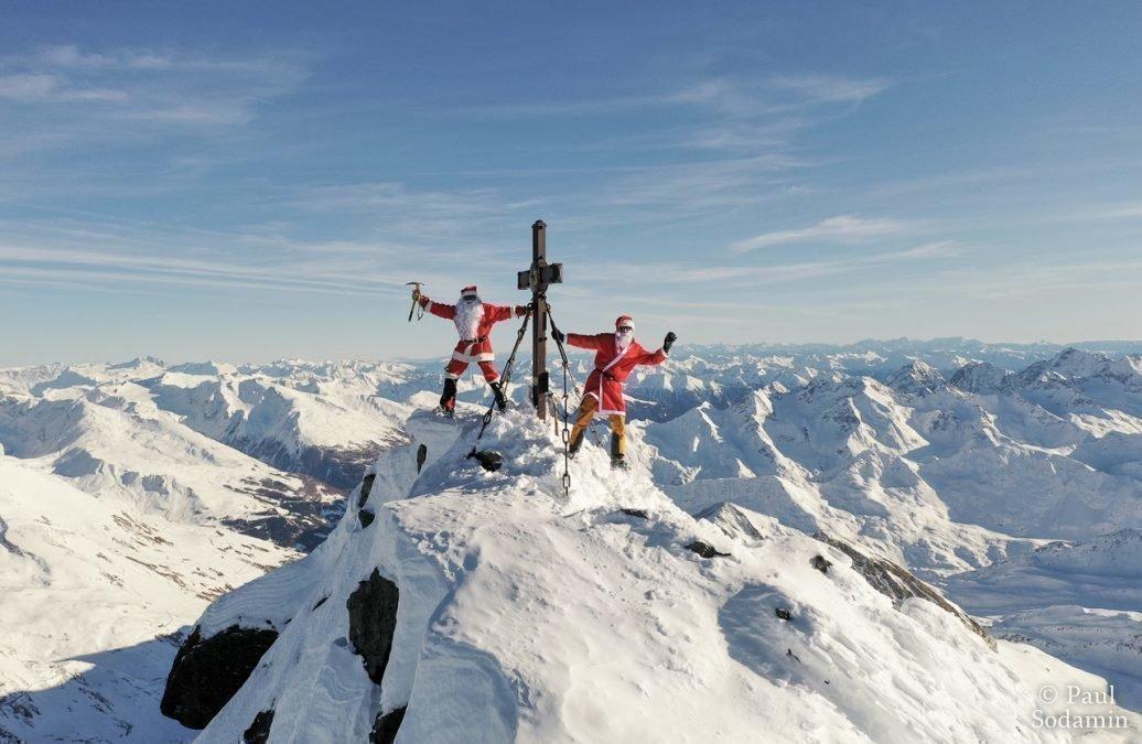 Großglockner 3798m   Schitour im Dezember als Weihnachtsmann verkleidet zum Gipfel ….