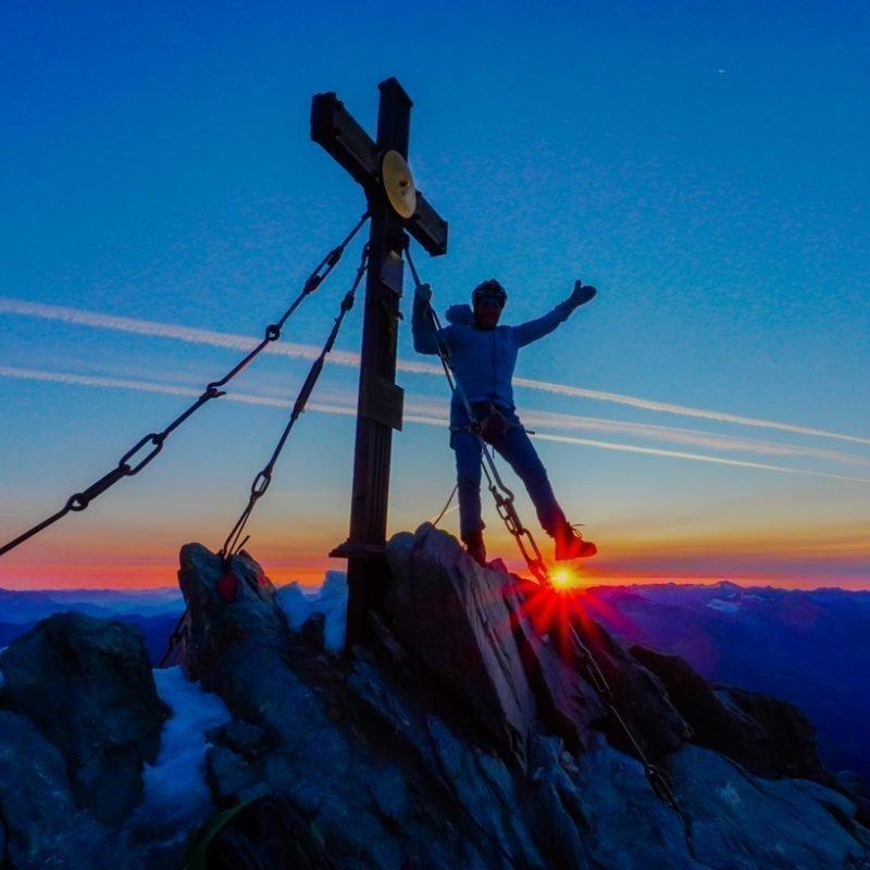 Großglockner 3798m bei Sonnenaufgang