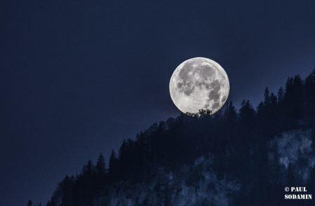 Mond 6