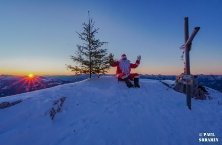 Sparafeld Weihnachtsmann in den Bergen unterwegs 12