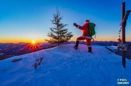 Sparafeld Weihnachtsmann in den Bergen unterwegs 21