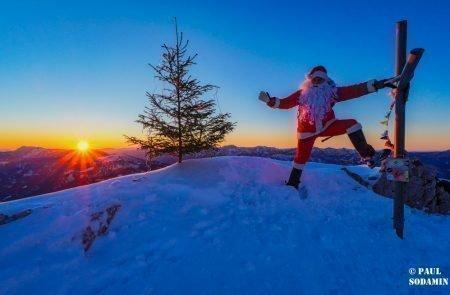 Sparafeld Weihnachtsmann in den Bergen unterwegs 25