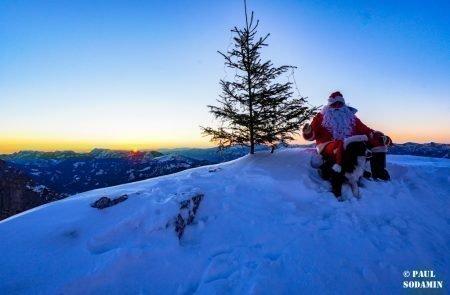 Sparafeld Weihnachtsmann in den Bergen unterwegs 3
