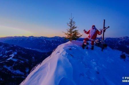 Sparafeld Weihnachtsmann in den Bergen unterwegs 4 Kopie