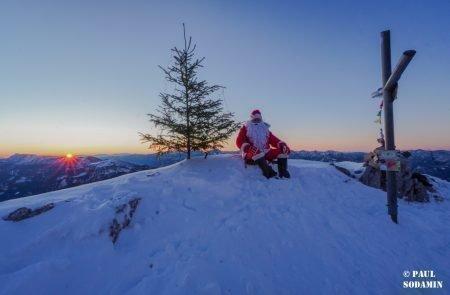 Sparafeld Weihnachtsmann in den Bergen unterwegs 5